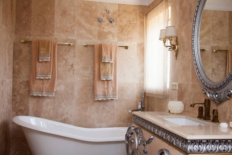 Baño principal Baños de estilo mediterráneo de Emalia Home Design Mediterráneo