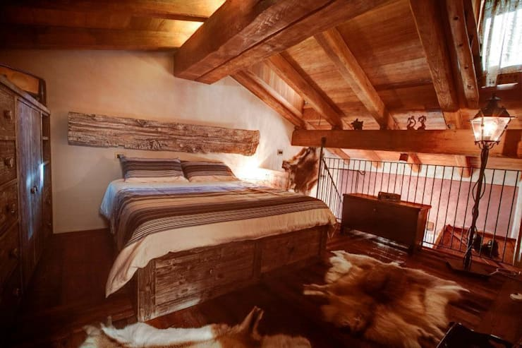 Prywatny apartament w Limone (Piemonte Włochy): styl , w kategorii Sypialnia zaprojektowany przez Bosc Vej s.r.l.