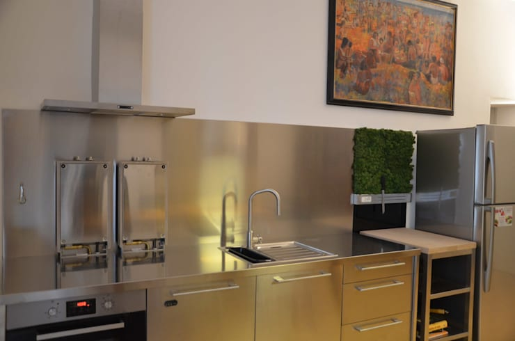 Cucina ikea: Cucina in stile in stile Industriale di graziella bloccari architetto