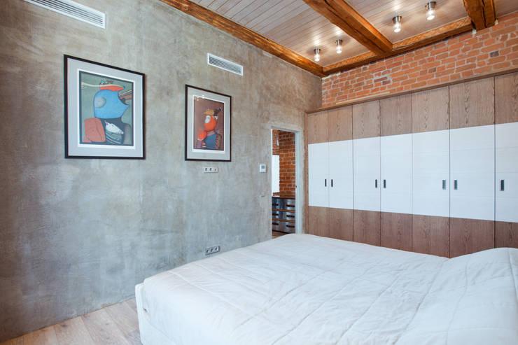 Частная квартира, г. Москва, ул. Большой Кисловский переулок (м. Арбат/Боровицкая): Спальни в . Автор – Дизайн-студия интерьера 'ART-B.O.s', Лофт