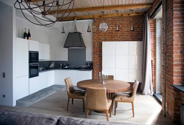 Частная квартира, г. Москва, ул. Большой Кисловский переулок (м. Арбат/Боровицкая): Кухни в . Автор – Дизайн-студия интерьера 'ART-B.O.s'