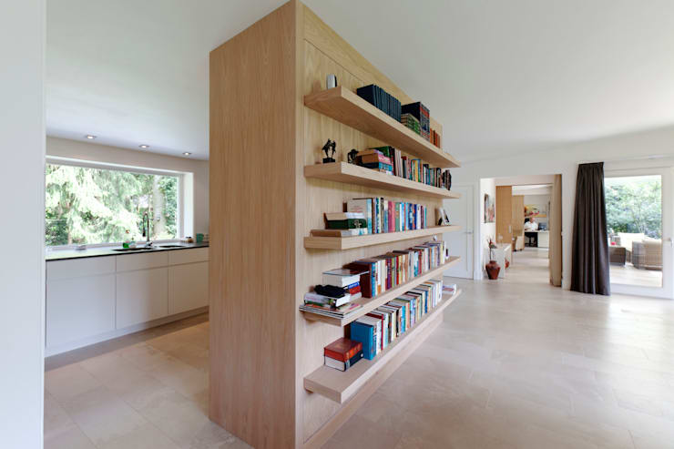 in stile  di Suzanne de Kanter Architectuur & Interieur