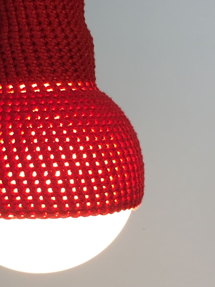 Lampe in cerise: modern  door et aussi ..., Modern