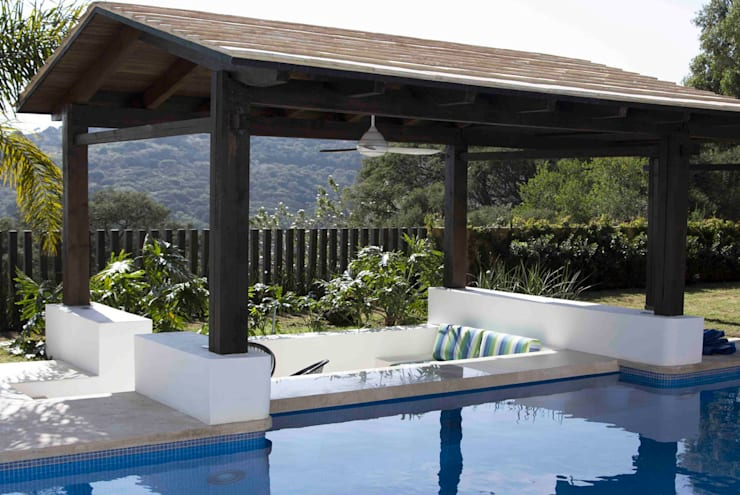 Pool by Boué Arquitectos