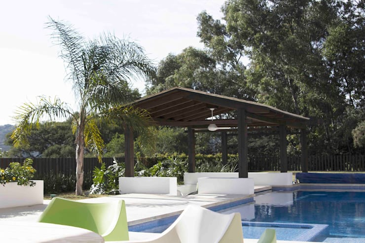 Terrace by Boué Arquitectos