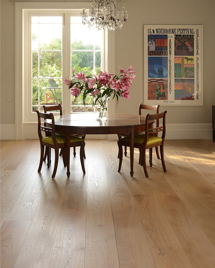 Oak Old White Pre-oiled:  Walls & flooring by The Natural Wood Floor Company