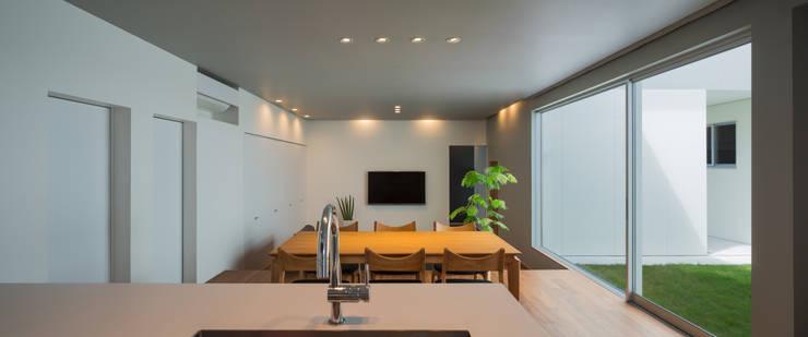 御領の家 モダンデザインの ダイニング の 末永幸太建築設計 KOTA SUENAGA ARCHITECTS モダン
