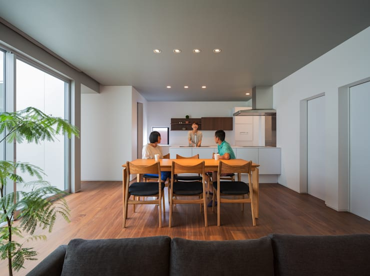 御領の家 モダンデザインの リビング の 末永幸太建築設計 KOTA SUENAGA ARCHITECTS モダン