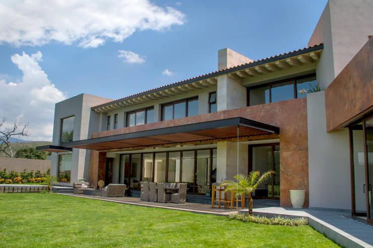 Casa 4 Puntos / Club de Golf BR: Casas de estilo  por Maz Arquitectos