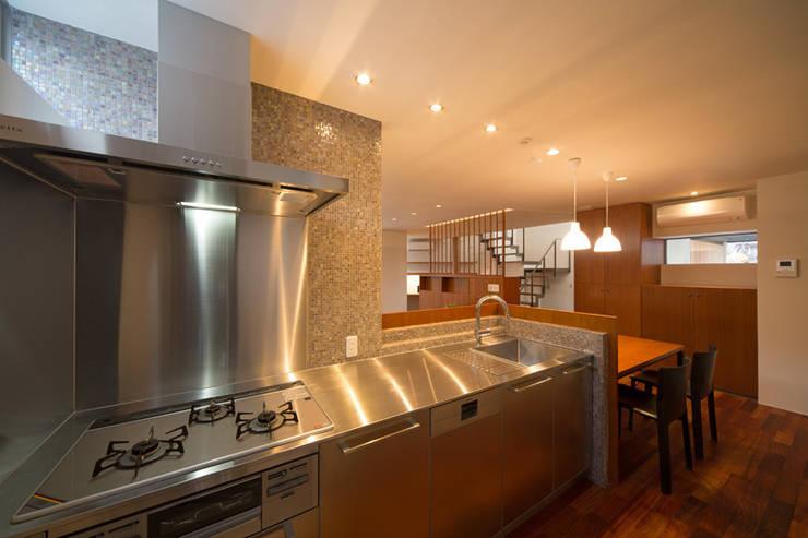 オリジナルキッチン: アーキシップス古前建築設計事務所が手掛けたキッチンです。,モダン