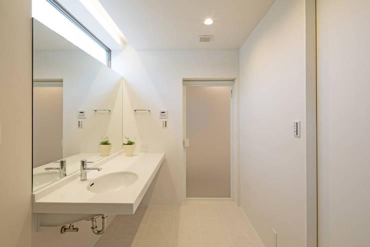 水回り: アーキシップス古前建築設計事務所が手掛けた浴室です。