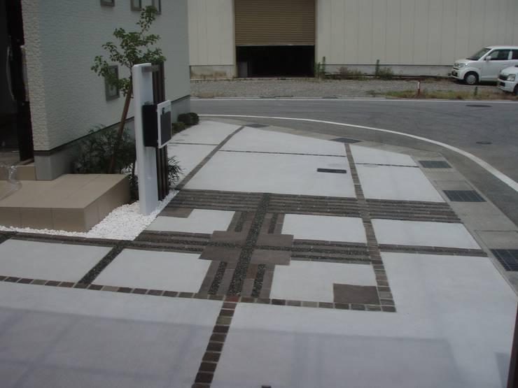 D様邸5: 山野興業 ガーデンスタイルなごみが手掛けた現代のです。,モダン