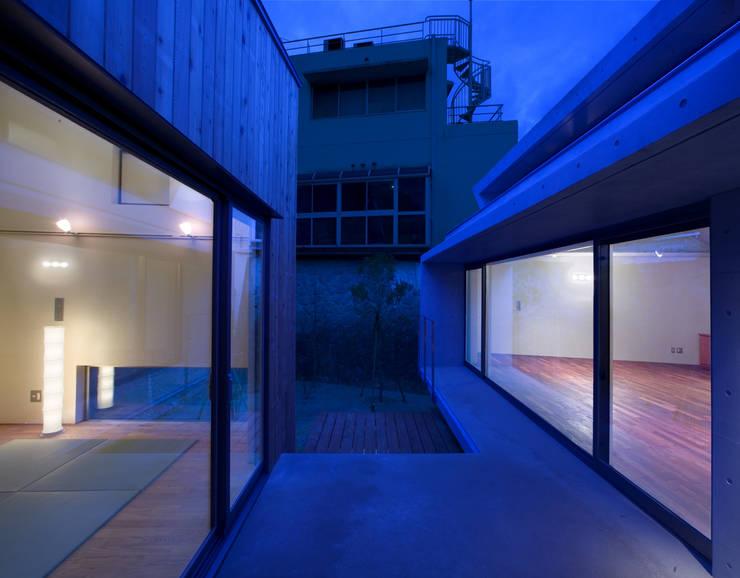 Terrasse von かわつひろし建築工房, Modern