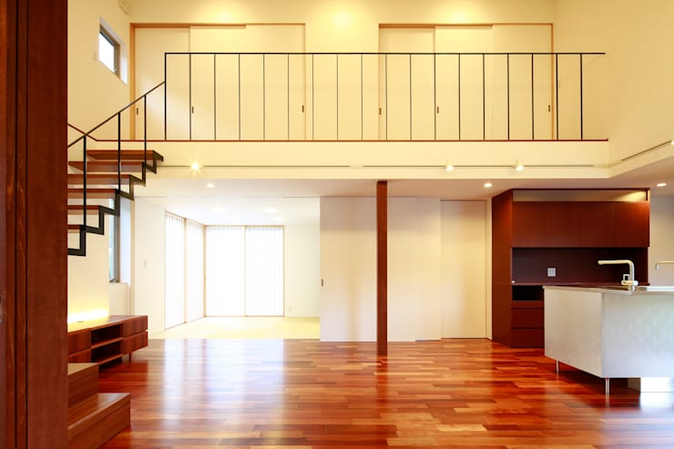 house-b: 株式会社山根一史建築設計事務所が手掛けたウォークインクローゼットです。