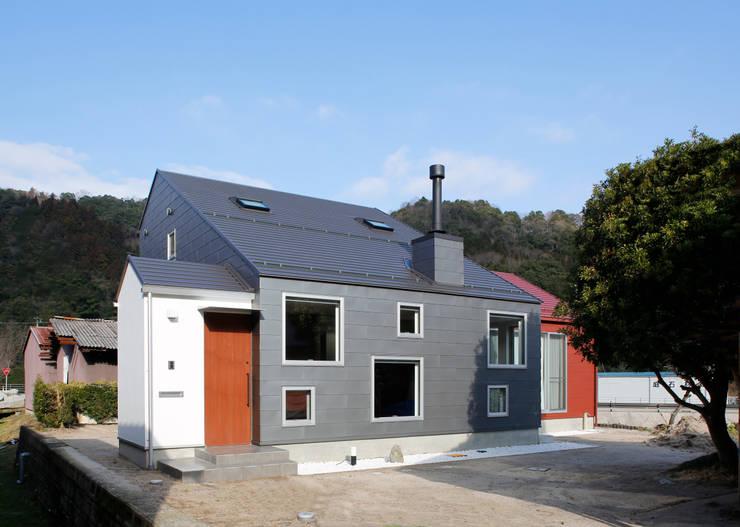 house-b: 株式会社山根一史建築設計事務所が手掛けた家です。