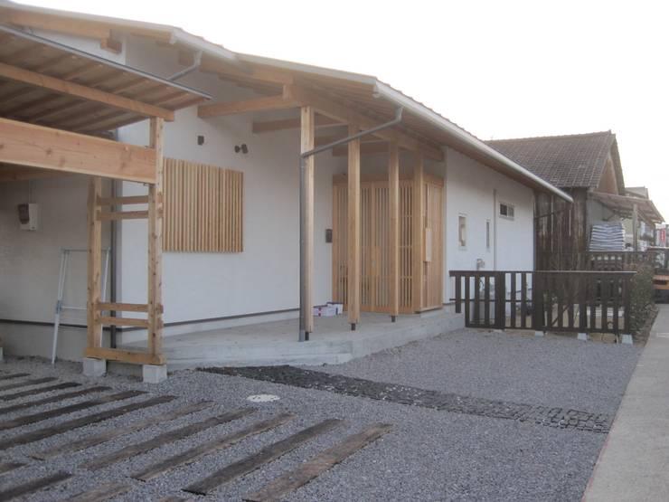 Häuser von 一級建築士事務所 CAVOK Architects,