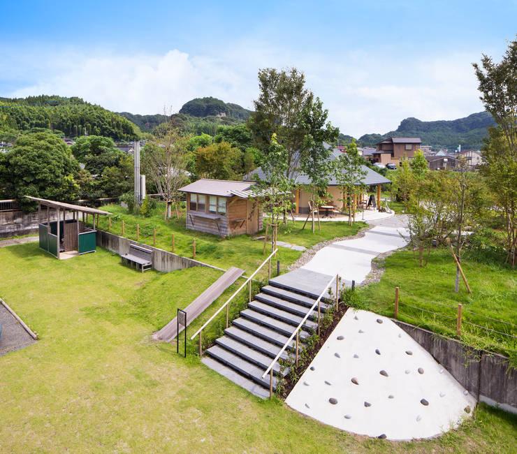 ひなた茶屋~雑木林の小さなカフェ~: 志賀建築設計室が手掛けた庭です。