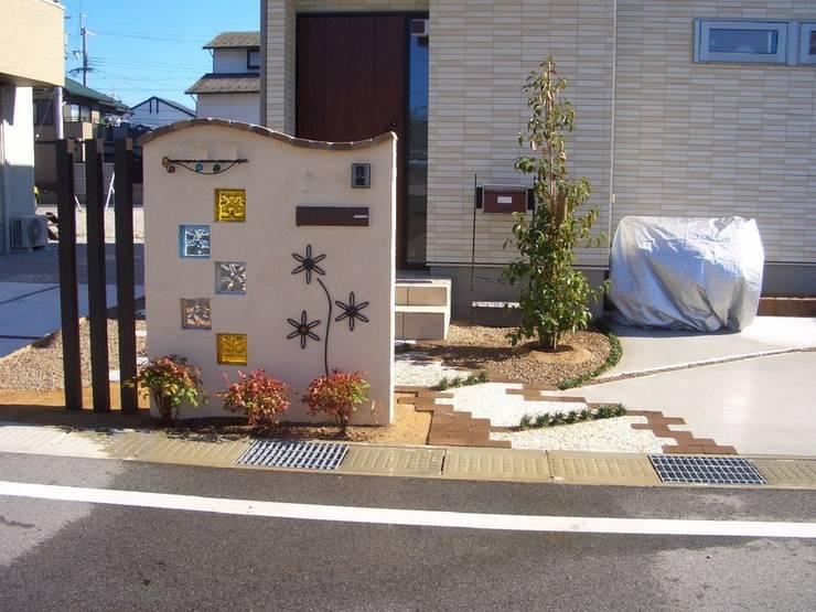 H4様邸4: 山野興業 ガーデンスタイルなごみが手掛けたです。,