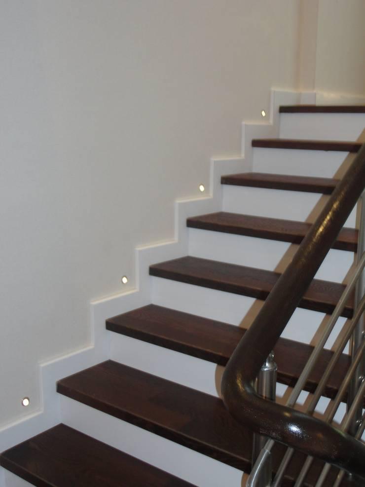 Vizyon mimarlık ve Dekorasyon – M.G. Evi / Kırklareli : klasik tarz tarz Koridor, Hol & Merdivenler