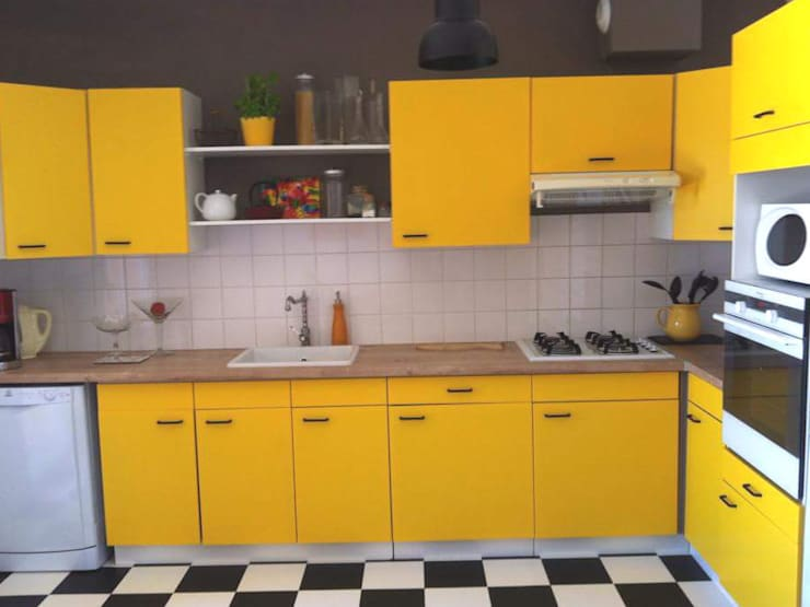 Cuisine sur salon dans une maison: Cuisine de style de style Moderne par Aparté conseils