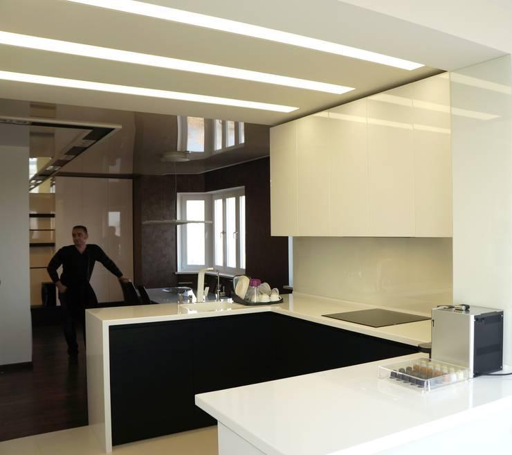 Квартира в Москве: Кухни в . Автор – Дизайн - студия Пейковых