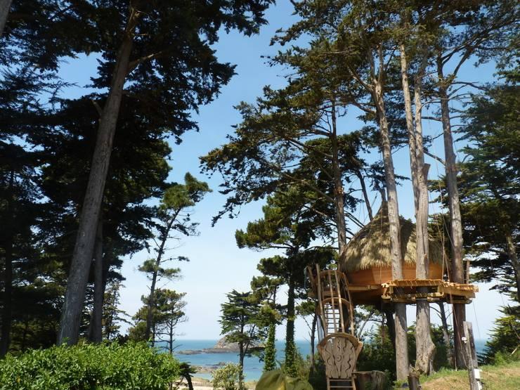 Met je gezin in een boomhut slapen op camping Les Chevrets:  Hotels door TreeGo Boomhut Bouwers