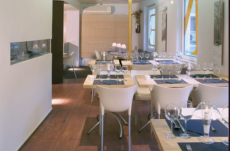 Cheeseme Restaurant - planta alta. : Locales gastronómicos de estilo  de Daifuku Designs