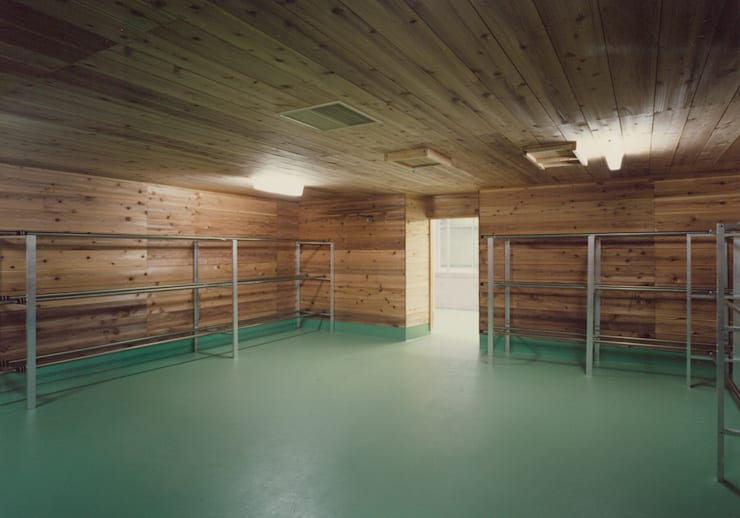 室(むろ): 堀内総合計画事務所が手掛けたオフィススペース&店です。