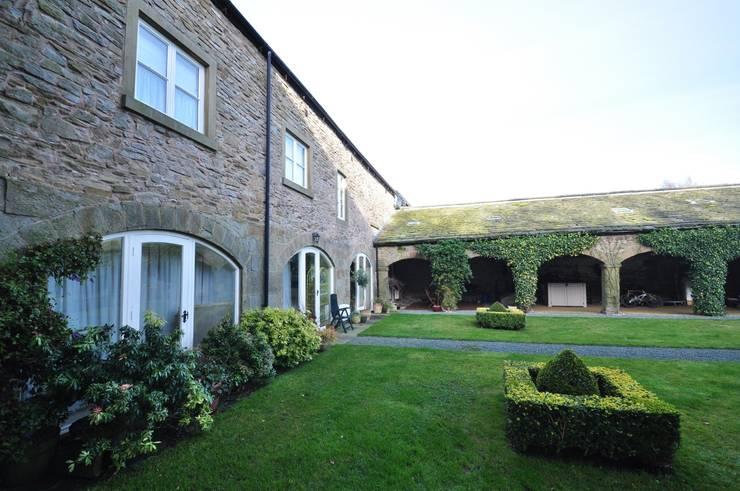 BIRCHENCLIFFE FARM 根據 E2 Architecture + Interiors 鄉村風