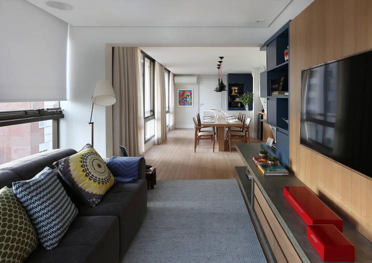 Cobertura - Pinheiros: Salas de estar  por MANDRIL ARQUITETURA E INTERIORES
