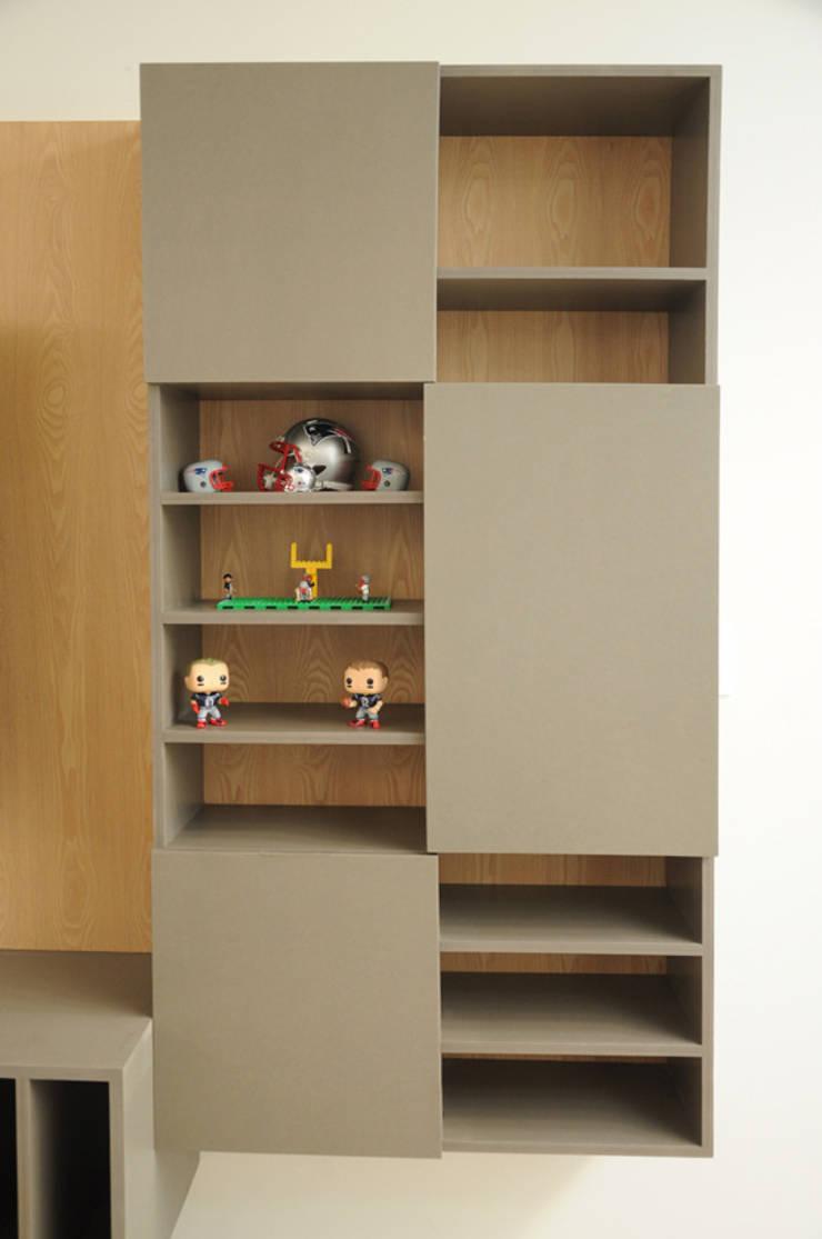 Librero IC Valchromat: Sala multimedia de estilo  por Mediamadera