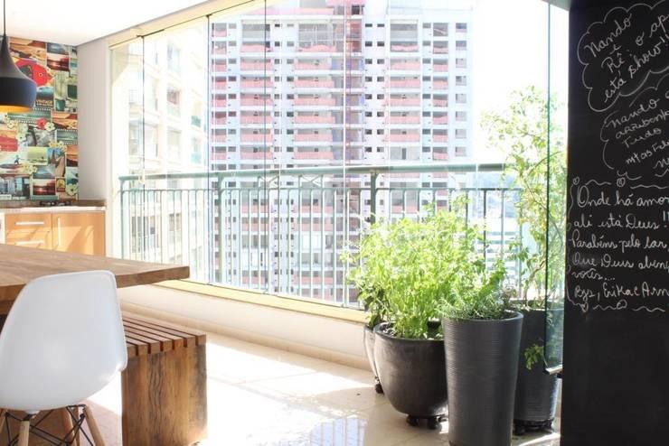 Ap Brooklin 03: Terraços  por Mariana Dias Arquitetura