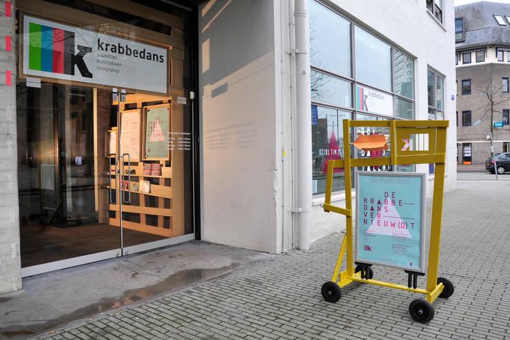 de Krabbedans:  Winkelruimten door Tom Frencken, Modern