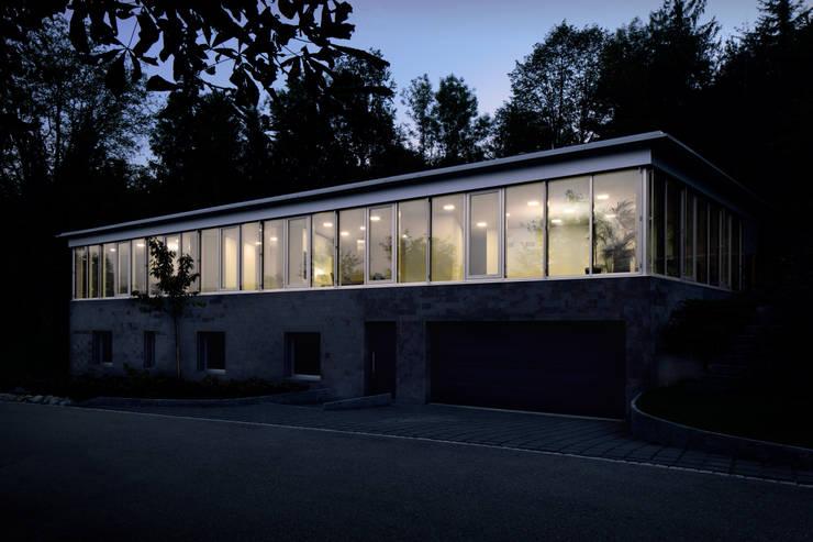 Einfamilienhaus Fehraltorf, Schweiz: moderne Häuser von mpp architekten ag