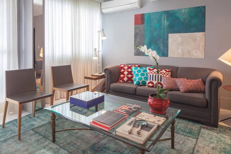 Salas / recibidores de estilo moderno por Estúdio Barino | Interiores