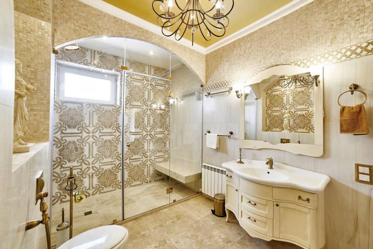 Интерьеры жилого дома в пос.Дубовое: Ванные комнаты в . Автор – ООО 'Архитектурное бюро Доценко'