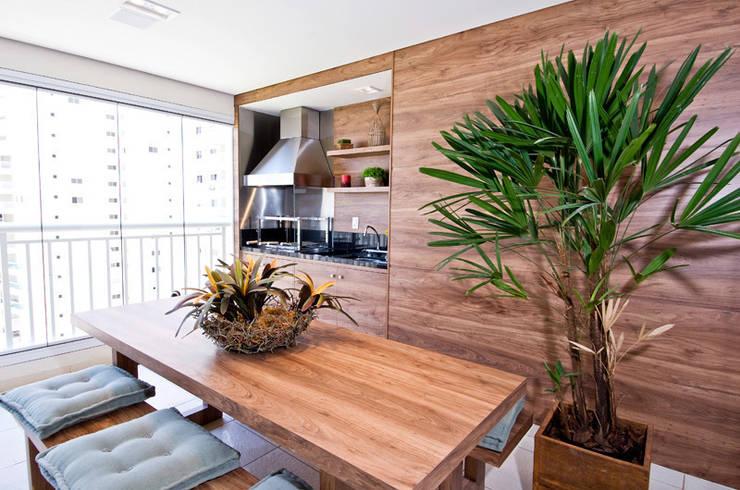 Terraço : Terraços  por Cavalcante Ferraz Arquitetura / Design ,Moderno