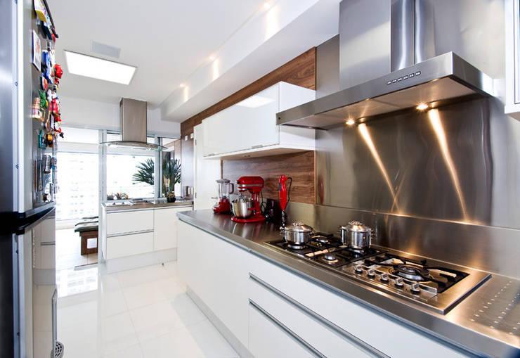Cozinha : Cozinhas  por Cavalcante Ferraz Arquitetura / Design ,Moderno