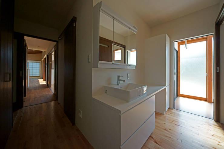 SMOOTH HOUSE: 株式会社プラスディー設計室が手掛けた浴室です。
