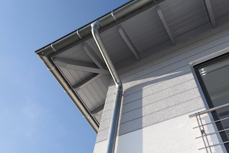 Сборные дома в . Автор – FingerHaus GmbH - Bauunternehmen in Frankenberg (Eder), Средиземноморский