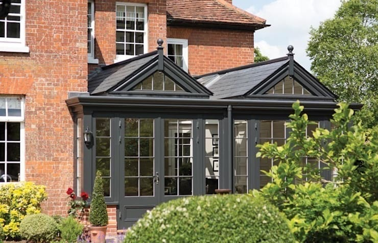 Exterior of garden room: classic Conservatory by Westbury Garden Rooms