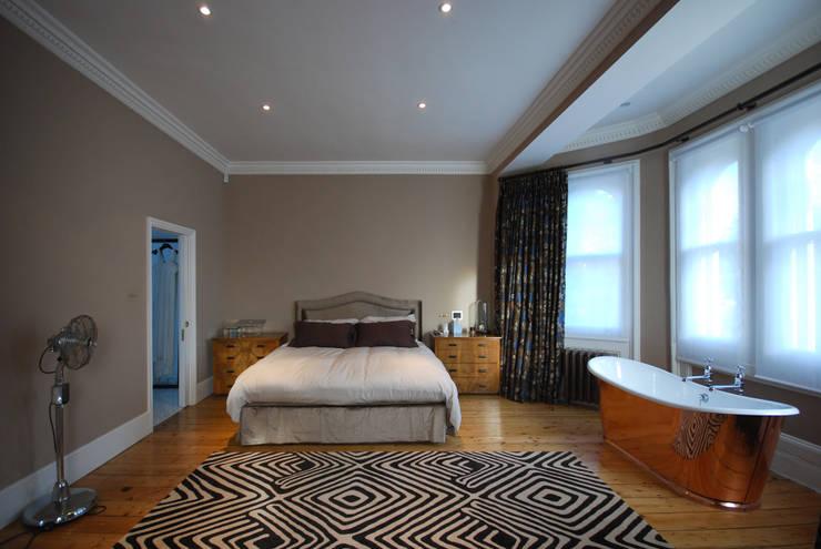 Rosalyn House : modern Bedroom by Lee Evans Partnership