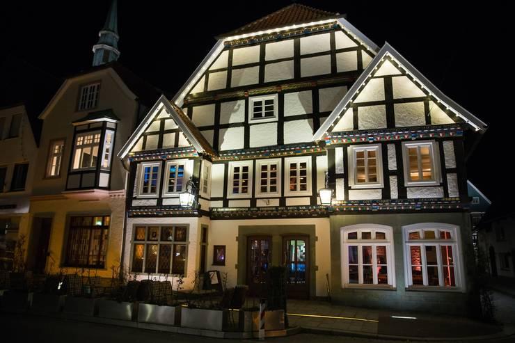 Straßenfassade Nachher:   von Gröne Architektur GmbH