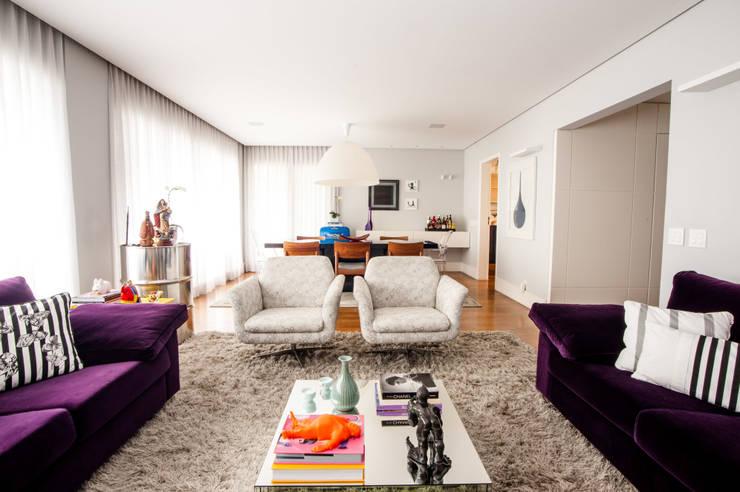 Living: Salas de estar  por Casa 2 Arquitetos,Moderno
