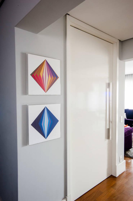 Hall Entrada: Janelas   por Casa 2 Arquitetos,Moderno