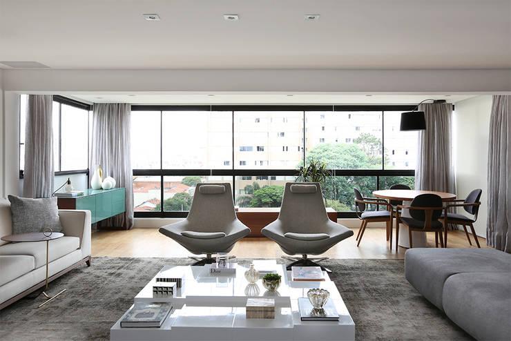 Living: Salas de estar  por Casa 2 Arquitetos,