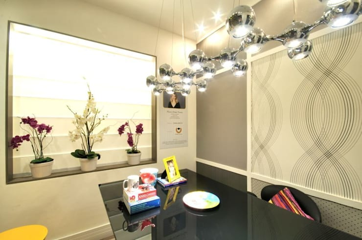 HOME OFFICE : Escritórios  por Marcia Debski Ferreira Designer de Interiores