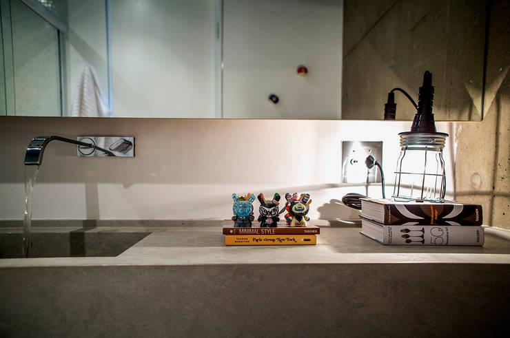 Baños de estilo moderno de Casa 2 Arquitetos Moderno