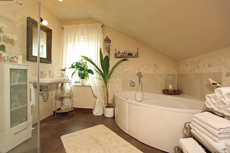 country Bathroom by homify