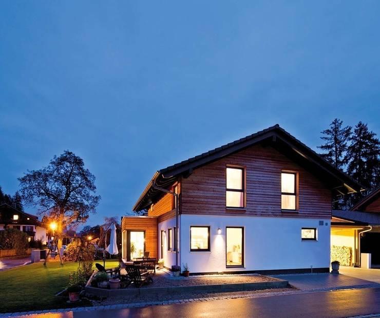 Casas de campo  por FingerHaus GmbH